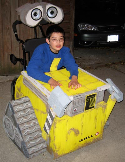 Jon as Wall-E, 3/4 left