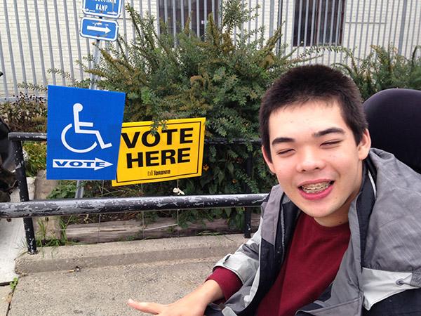 Jon at voting station