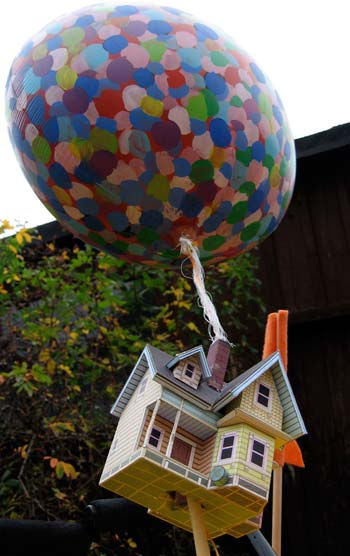 house, balloon detail